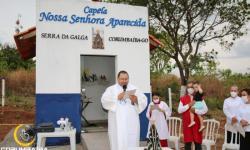 Missa em louvor a Nossa Senhora Aparecida na capela na Serra da Galga