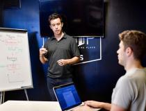 Cinco vantagens das mentorias on-line para um negócio
