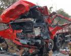 Batida frontal entre caminhão e van deixa 12 mortos e 1 ferido na BR-365, em Patos de Minas