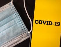 Com uso insuficiente de máscaras de proteção nas ruas, Brasil ultrapassa os 200 mil óbitos por Covid-19