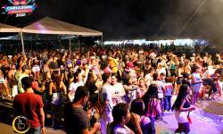Terceira noite do CARNALEGRIA na cidade de Corumbaíba