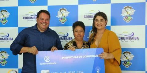 Prefeitura de Corumbaíba faz entrega do Cartão Municipal Solidário