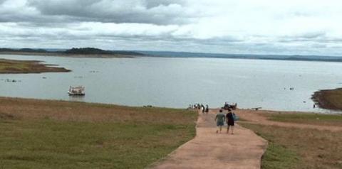 Seis são resgatados após desaparecerem no Lago das Brisas