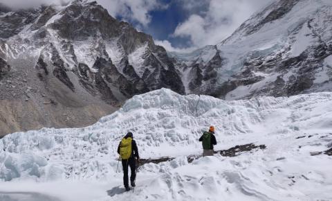 Alpinista Rodrigo Raineri e nutricionista Daniel Cady alertam para importância do preparo nutricional em grandes escaladas
