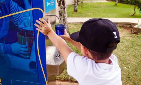 Startup cresce oferecendo água gratuita à população