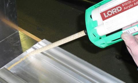 Adesivos estruturais superam rebite e solda na união de superfícies metálicas
