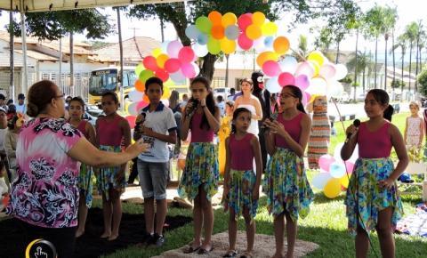 Projeto Leitura na Praça: Ler e Coçar é só Começar