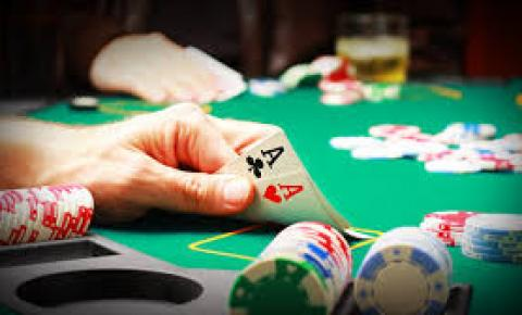 Liga Centro-Oeste de Poker  e realizada em Caldas Novas  e conta com jogadores de todo o Brasil