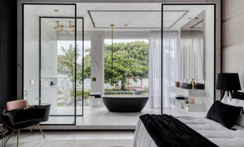 Fora das quatro paredes: inspirações de ambientes integrados com vidros e espelhos