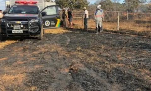 Dois homens tentam apagar incêndio, tomam choque e morrem