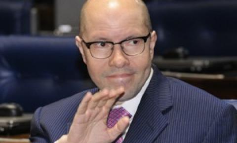 Demóstenes Torres reassume cargo no Ministério Público do Estado de Goiás