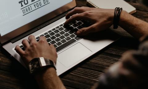 Negócios digitais: consultor estuda mudanças causadas pela tecnologia
