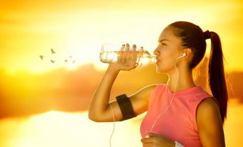 Sete sinais de falta de água no organismo