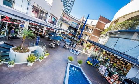 Em época de restrições, centros comerciais de vizinhança são preferência entre os varejistas
