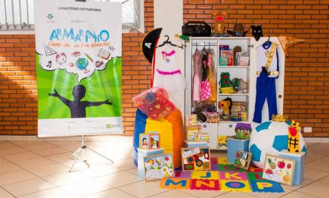 Projeto que incentiva as artes cênicas chega a Guararapes com acervo gratuito para público infantil