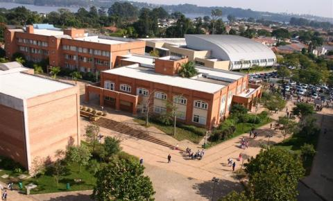 Crescimento de alunos estrangeiros no Brasil transforma escolas multiculturais em prioridade