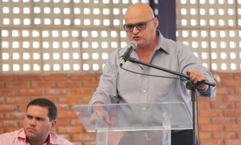 Marcos das Neves deixa cargo de secretário estadual de Educação