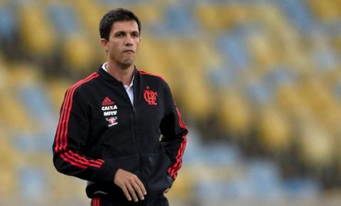 Após nova eliminação, Flamengo demite técnico Maurício Barbieri