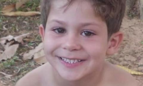 Menino que teve corda de balanço enrolada no pescoço, enquanto brincava, morre após quatro dias internado